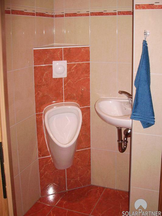 Gewerblich genutzte WC-Anlage.