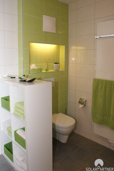 Barrierefreies WC integriert im Badezimmer.