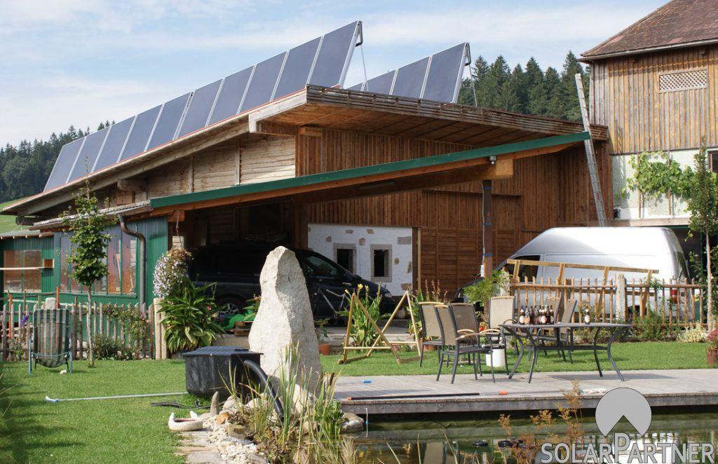 Gewerblich genutzte Solaranlage auf Pultdach mit höchster Leistung.