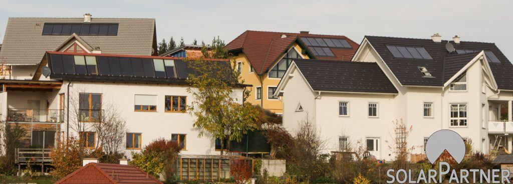 Siedlung mit preislich attraktivem SolarPartner Indach Kollektor (eigene Fertigung).